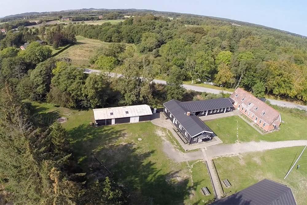 Luftfoto af Møllegaarden